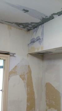 結露の多い壁も材料交換!